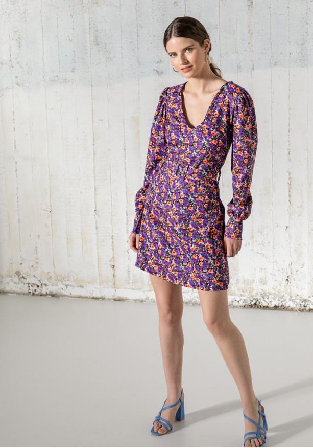 Φόρεμα floral με φουσκωτά μανίκια