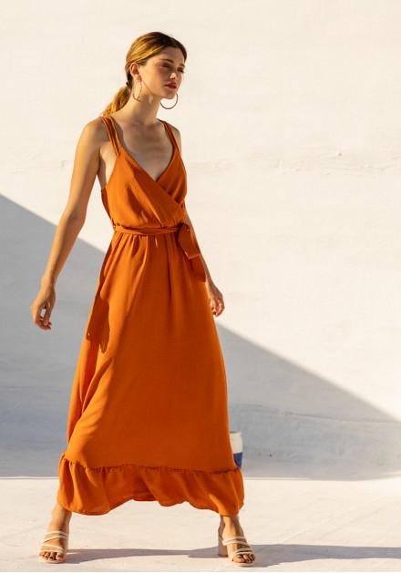 Φόρεμα maxi με λεπτομέρειες στην πλάτη