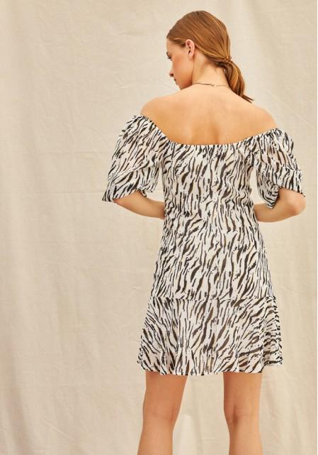 Φόρεμα με έξω ώμους