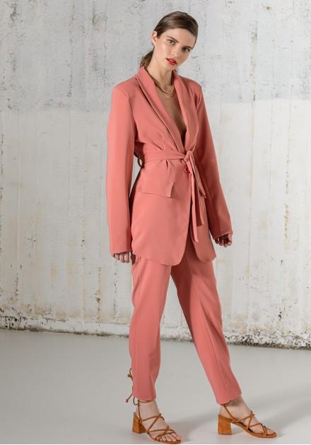 Κοστούμι με άνετη γραμμή