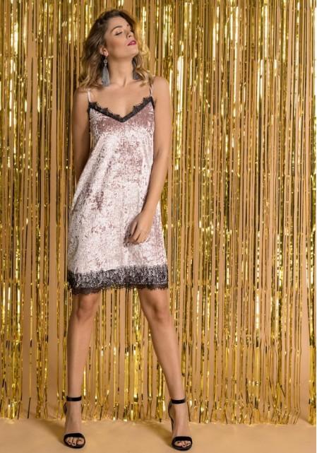 Βελούδινο φόρεμα