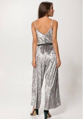 Ολοσωμη βελούδινη φόρμα καμπάνα