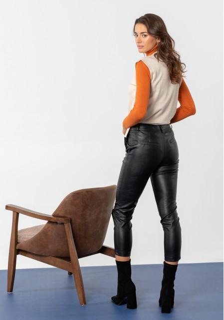 Παντελόνι με δερμάτινη υφή