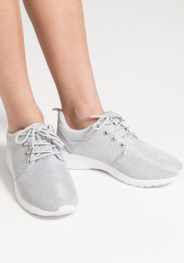 Sneakers με γυαλάδα